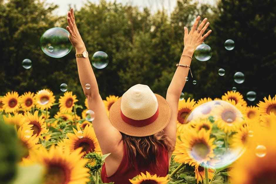 happy2 at omgloh.com