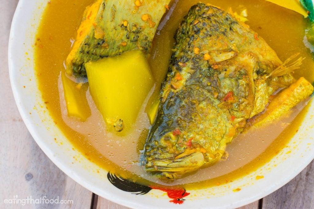 thai gaeng som recipe1 at omgloh.com