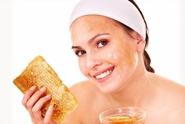 How to Use Honey for Anti Aging at omgloh.com