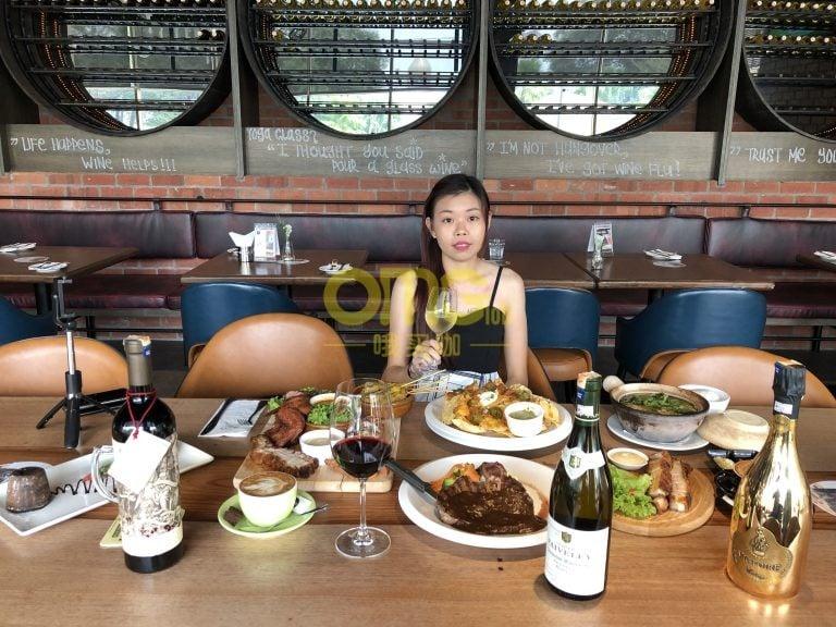 喝酒聚会好去处【The Barn 】酒吧+中西餐合拼餐厅